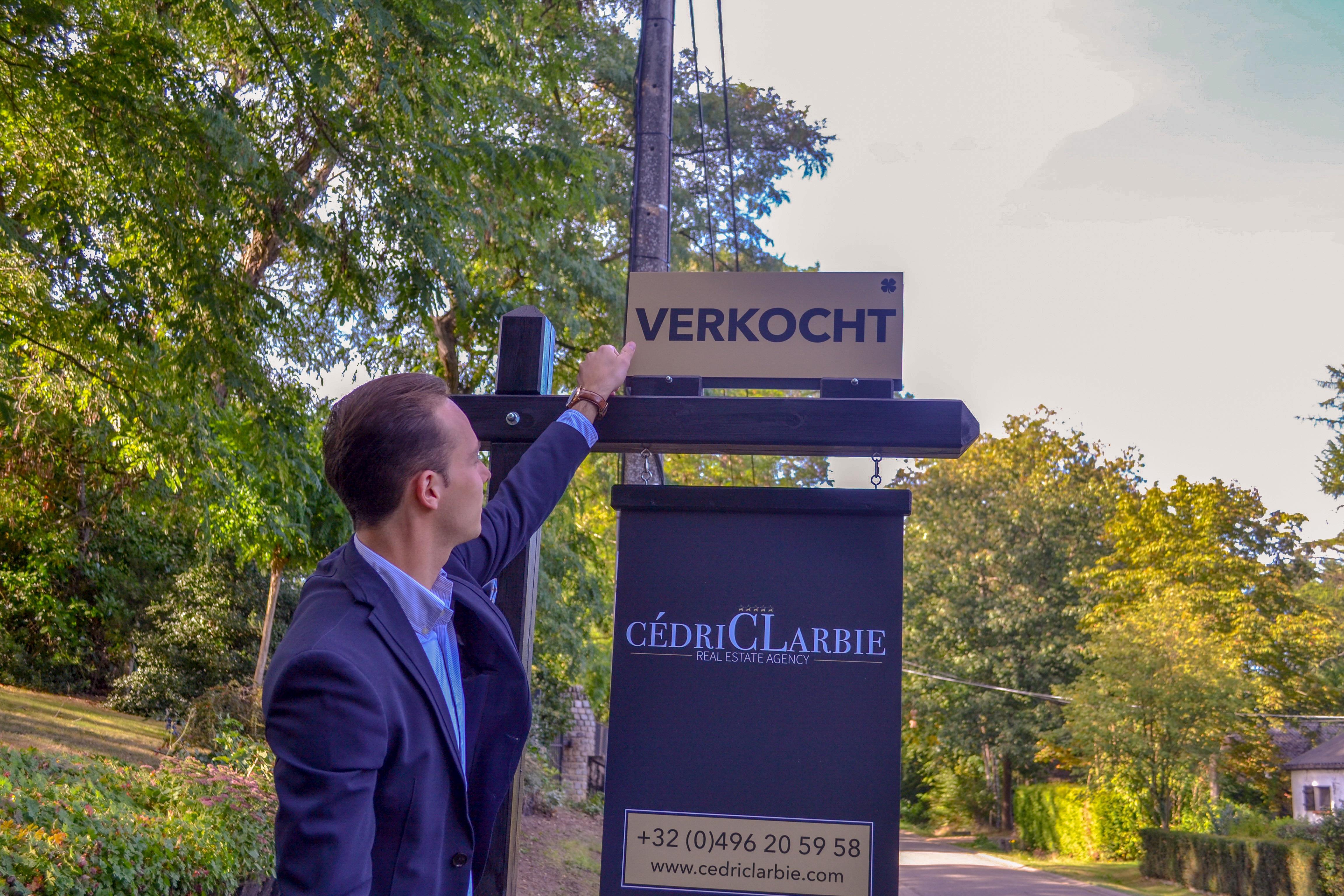 Cédric-Larbie-vastgoedmakelaar-woning-verkopen-Limburg-Antwerpen-Vlaams-Brabant-Oost-Vlaanderen-West-Vlaanderen-Brussel-België